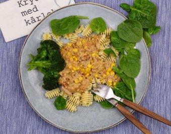 Tomat- och tonfisksås med broccoli