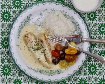 Majskyckling med oliver och tomater