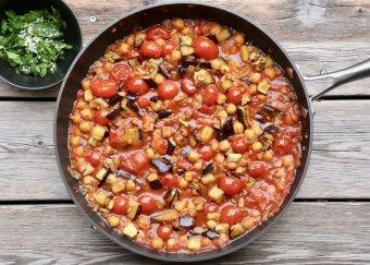 Orientalisk msakaa med chili