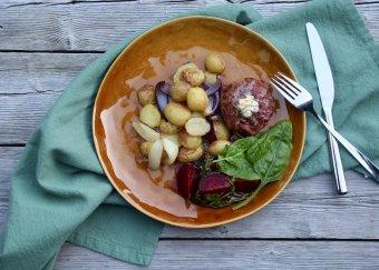 Biff à la Lindström på kalkon med rostade potatis